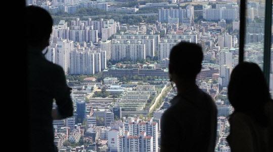 아파트 세금 확 늘리자…깜짝 놀란 다주택자는 증여하고 법인은 앞다퉈 매각